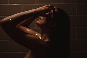 5 důvodů, proč dát šanci tuhému šamponu