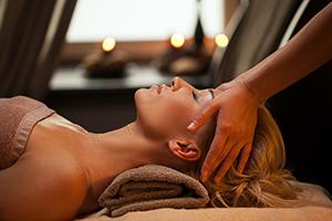 Uvolňující masáž obličeje a krku