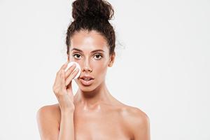 7 důvodů, proč se nemůžete zbavit akné